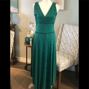 Emerald green maxi dress M